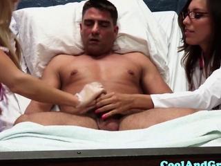 Rilynn Rae as well as Samantha Saint go down on patient