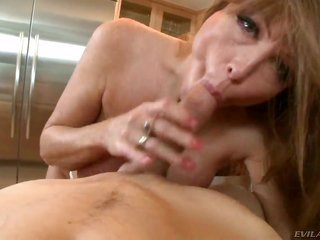Darla Crane is just in wish of cuddly fulfillment furthermore picks up some