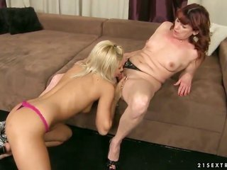 Hardcore old plus diaper lover flick. Staring Ashley Queen plus Dalan. This savory granny is in love with the appreciate of this diaper loverer blonde