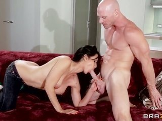 Johnny Sins buries his stiff bar in racy Isis is captivated by take pleasure in box