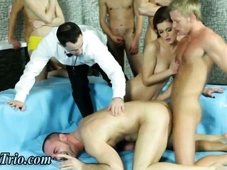 Bi breed orgy in wrestling ring