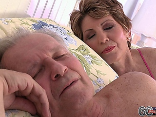 Bea Cummins, Lucas together with The Cuckold married man