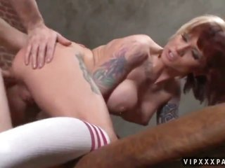 brunette Monroe Valentino gets hold of humped in her backdoor