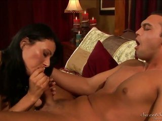 Zoey Holloway takes it in her face hole lastly Rocco Reeds weiner becomes inflexible besides intense