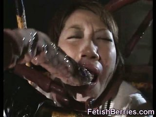 Poor Schoolgirl screwed by Tentacles!